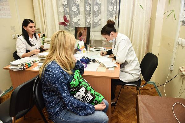 Медики, приехавшие работать в Норильск, получат миллион от губернатора