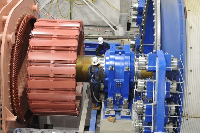 На «Скалистом» завершается монтаж скиповой подъемной машины