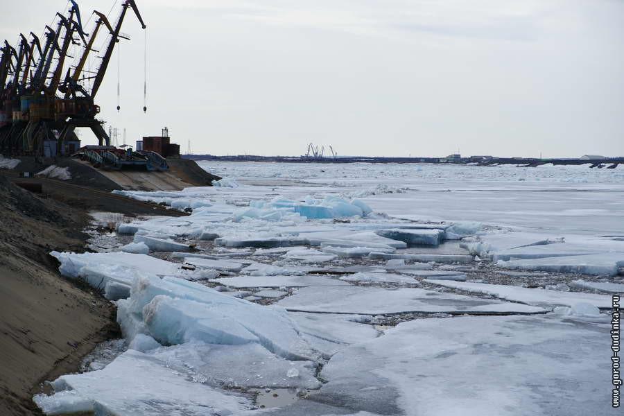 Кромка льда на реке Енисей находится в 780 км от Дудинки
