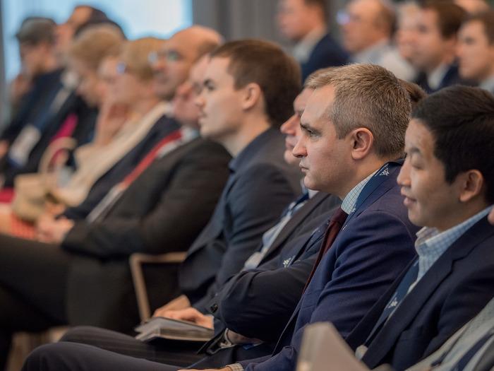 """Корпоративный форум """"Норильского никеля"""" """"Время надежных решений"""" продолжил сегодня свою работу в Подмосковье"""