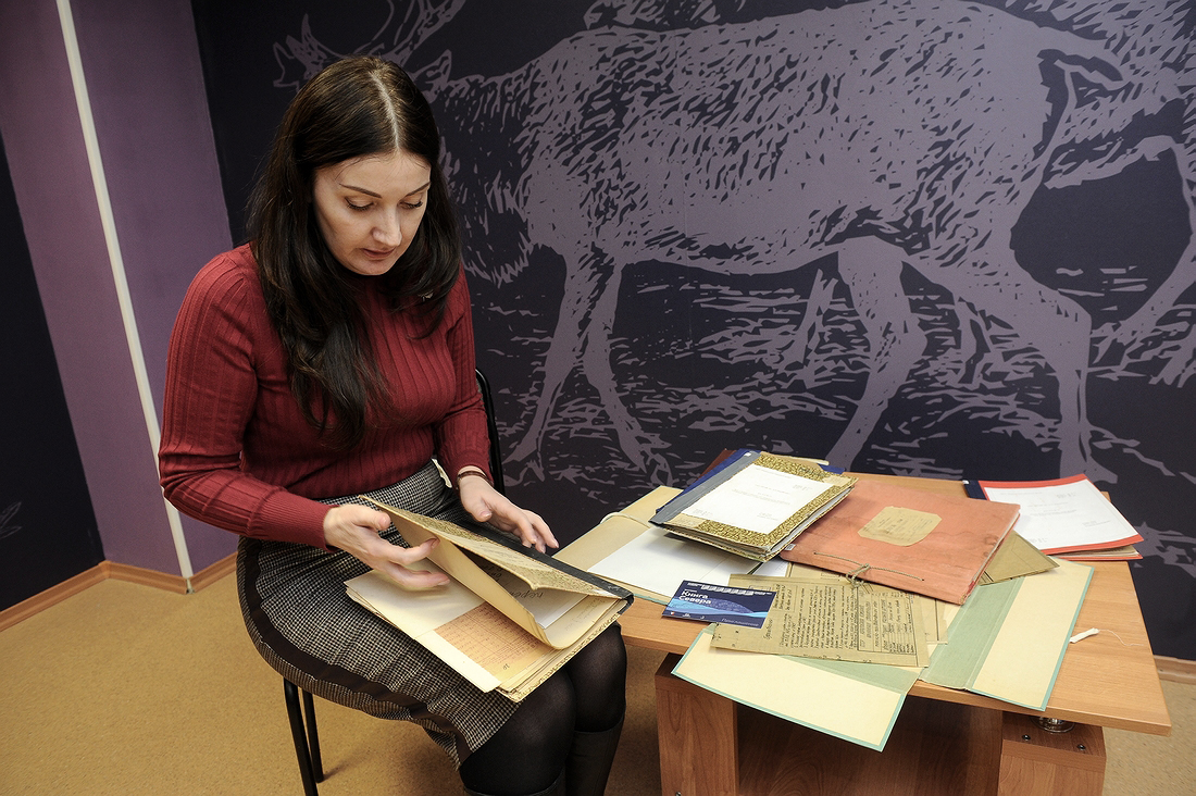 Раритеты из городского архива готовят к выставке «Книга Севера»