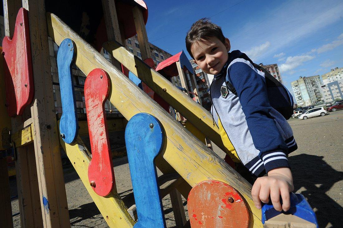 В одном из дворов Норильска появится большой фрегат для детских игр