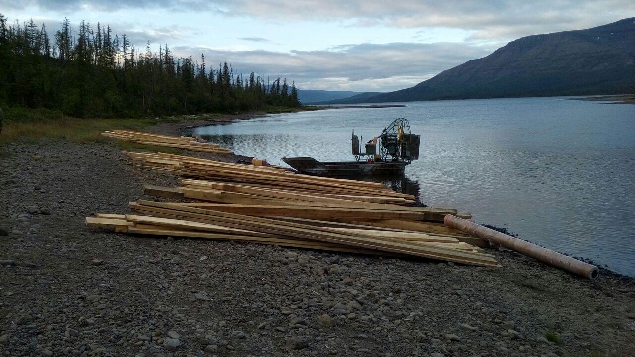 Порядка 15 тонн грузов доставили для благоустройства кордона на озере Собачьем