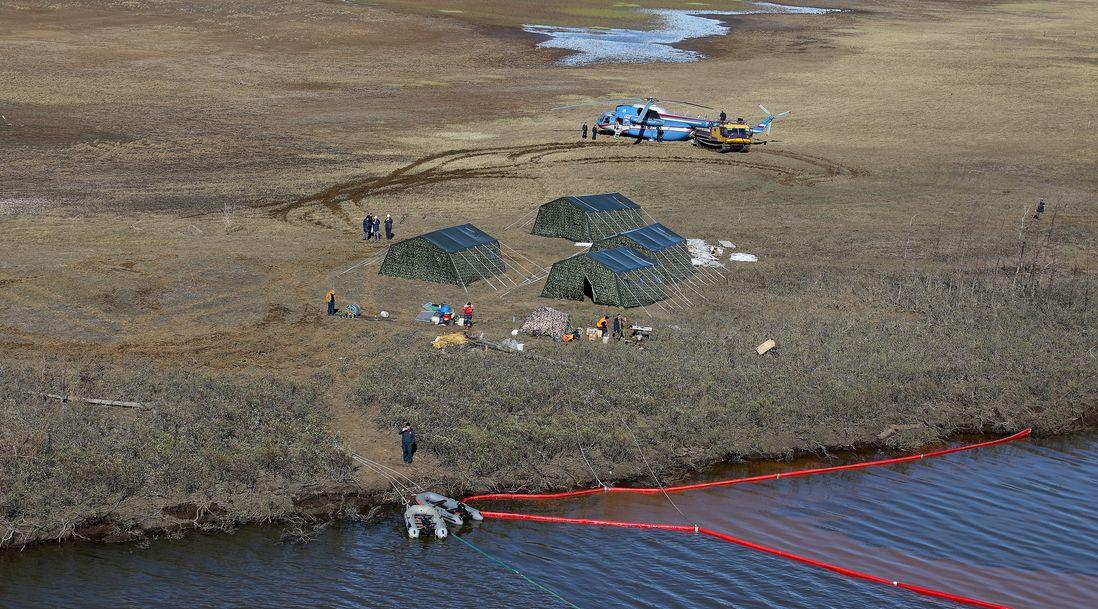 В Норильске ждут резервуары, способные вместить 16 тысяч тонн нефтепродуктов