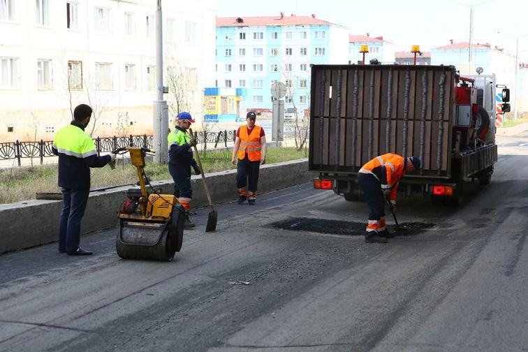 230 тысяч квадратных метров дорожного полотна отремонтируют в Норильске в этом году