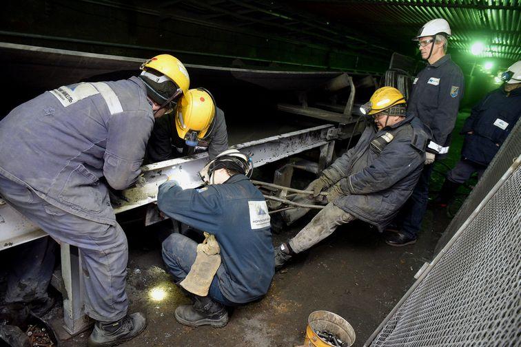 """На руднике """"Таймырский"""" ведется ремонт тракта выдачи руды"""
