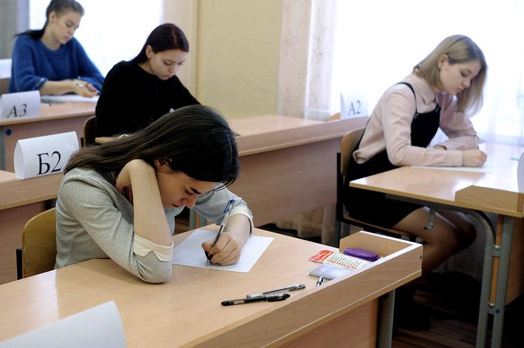 Сегодня у выпускников норильских школ начались экзамены