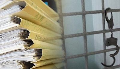 Жителю Талнаха грозит до пяти лет тюрьмы за кражу банковских карт, телефона, шапки, чайника, игрушки и шоколадных конфет