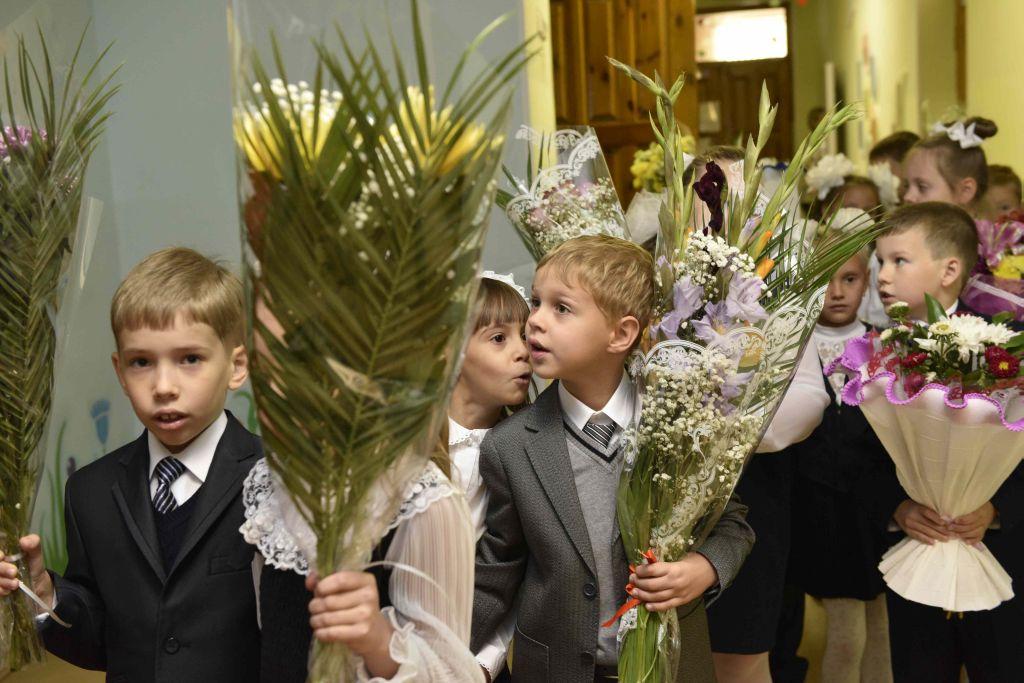"""3100 первоклассников Норильска, Дудинки и таймырских поселков получат подарки от """"Норникеля"""" в День знаний"""