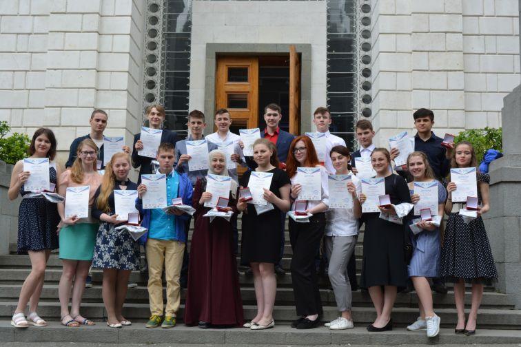 Школьники изДагестана вышли вполуфинал конкурса чтецов «Живая классика»
