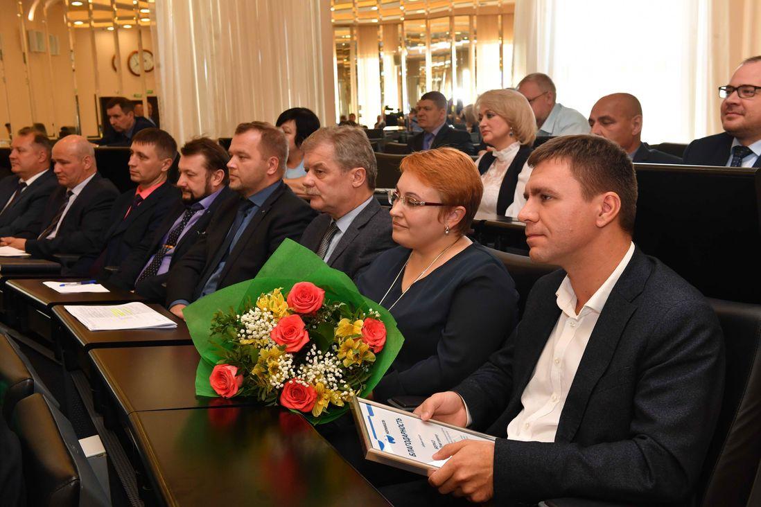 Николай Уткин наградил восемь активных участников внедрения SAP ERP в Заполярном филиале