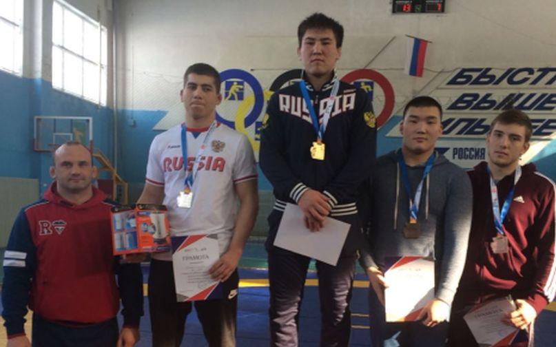 Норильский спортсмен примет участие в первенстве России по вольной борьбе