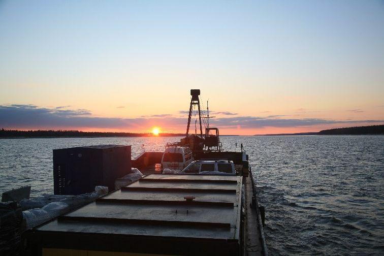 Енисейское пароходство перевезло более 2,4 млн тонн грузов за 8 месяцев 2018 года