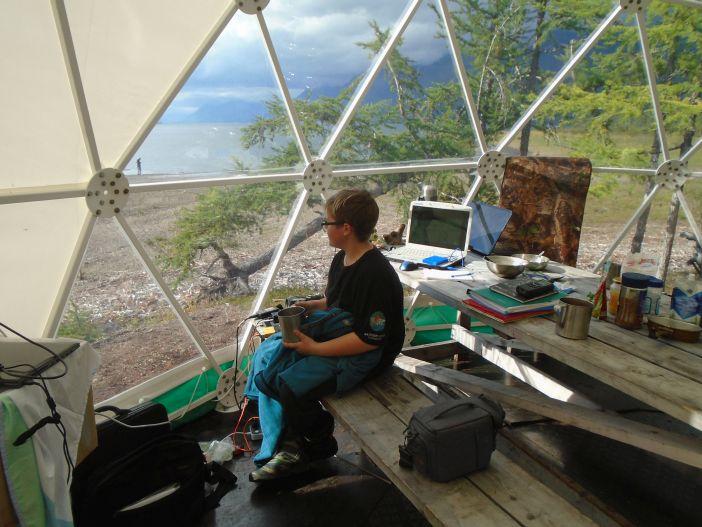 Экологический лагерь в бухте Урванцева стал международным