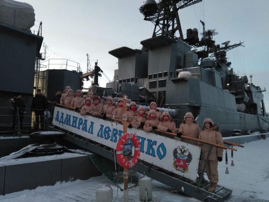 Норильские юнармейцы посетили Кольскую флотилию разнородных сил Северного флота в городе Полярный