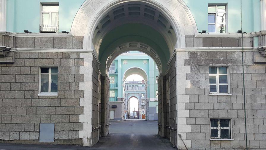Михаил Овчинников прочтет лекцию о современном искусстве в норильской арт-резиденции