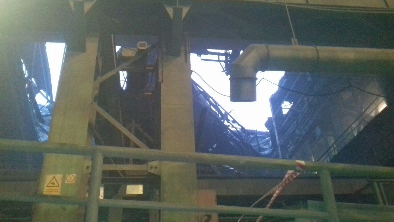 ВНорильске штормовой ветер снес крышу завода