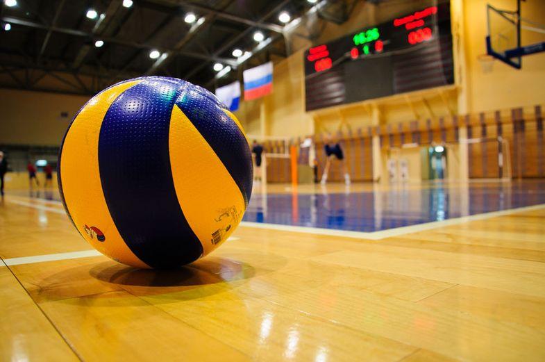 """Команды """"Норильскникельремонта"""" выиграли XV корпоративный турнир по волейболу"""
