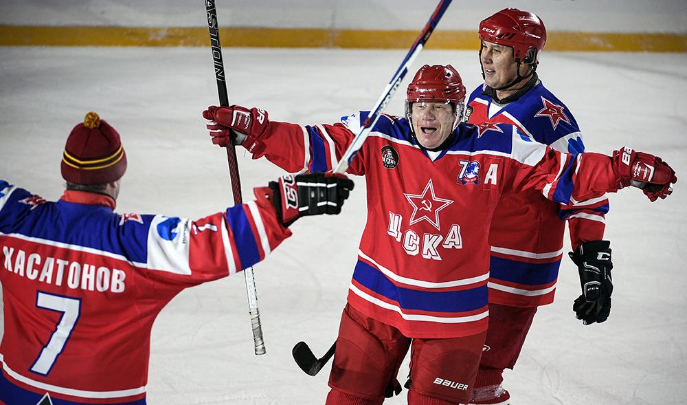 Ветераны ЦСКА стали победителями хоккейного Кубка легенд