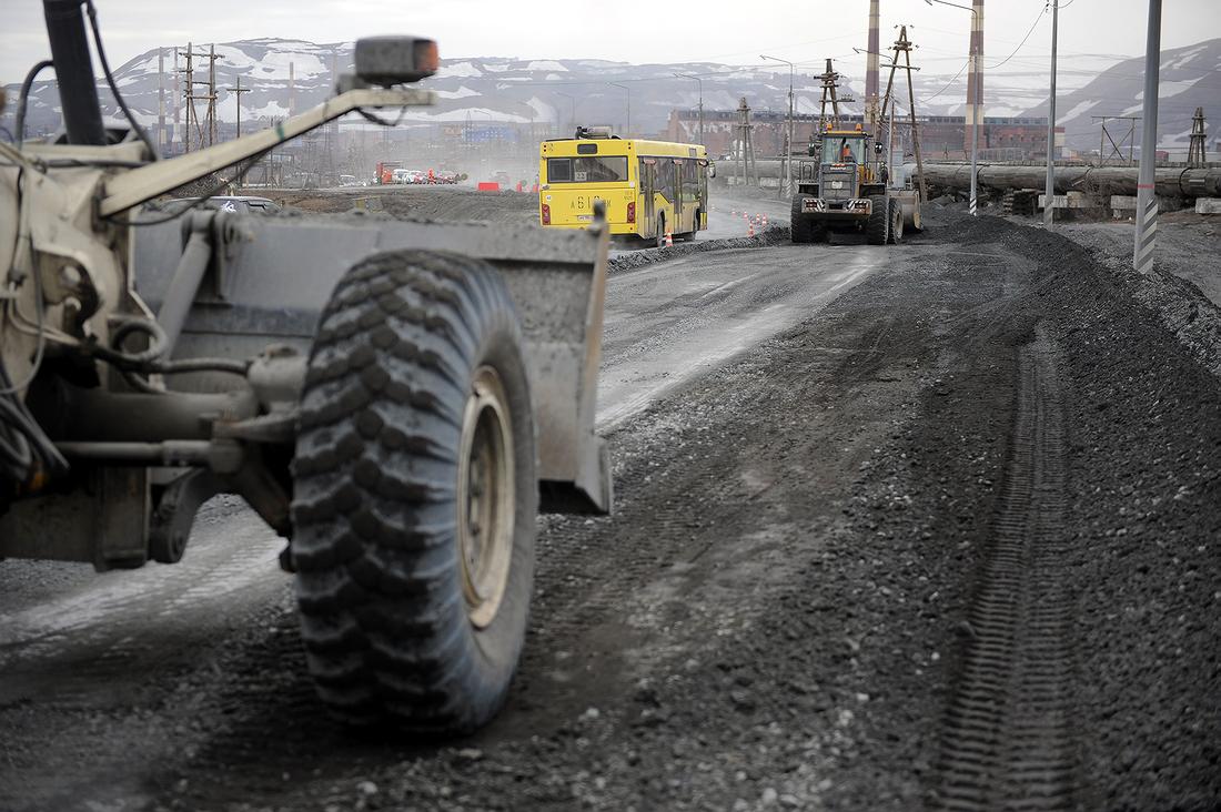 На 2-м километре автодороги Норильск – Талнах небольшая пробка