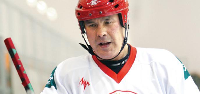 Легендарный хоккеист Сергей Бабинов проведет тренировку для юных норильских спортсменов