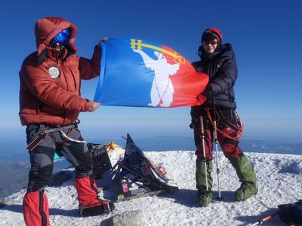 Норильский полицейский покорил гору Эльбрус