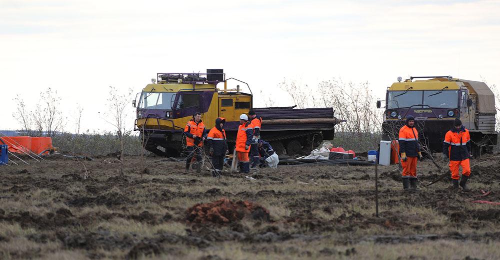 Спасатели собрали более 33,5 тысячи кубометров топливно-водяной смеси