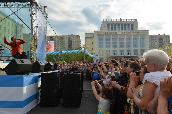 Концерт Стаса Пьехи стал подарком всем норильчанам ко Дню металлурга и Дню города