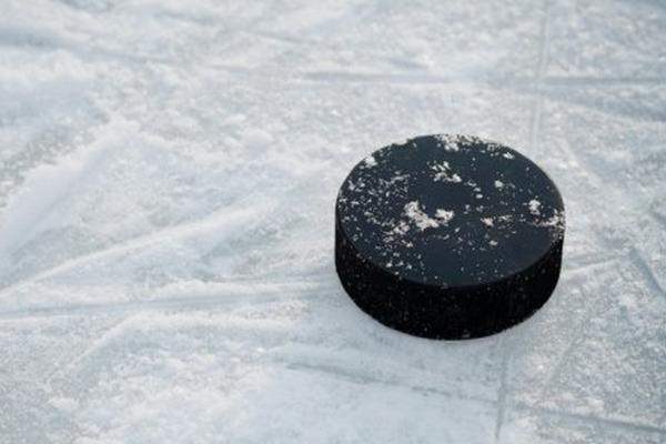 Жители Дудинки сыграют в хоккей в валенках