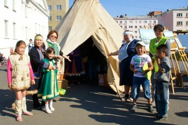 Таймырцы отправятся на межрегиональный смотр деятельности этнокультурных центров КМН