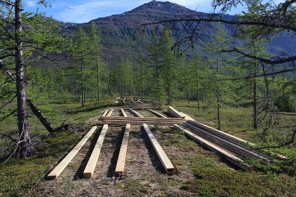 """Сразу несколько экологических однодневных маршрутов планируется обустроить на озере Лама по итогам реализации проекта, получившего поддержку """"Норникеля"""""""