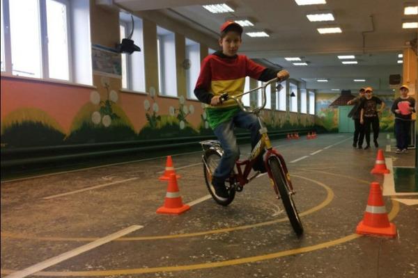 Норильские школьники продемонстрировали навыки управления велосипедом