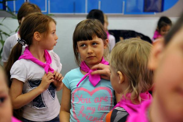 Вторая смена в летних пришкольных лагерях Норильска стартовала утром