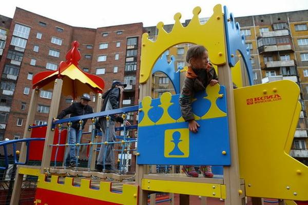 В Норильске открыли новую детскую площадку