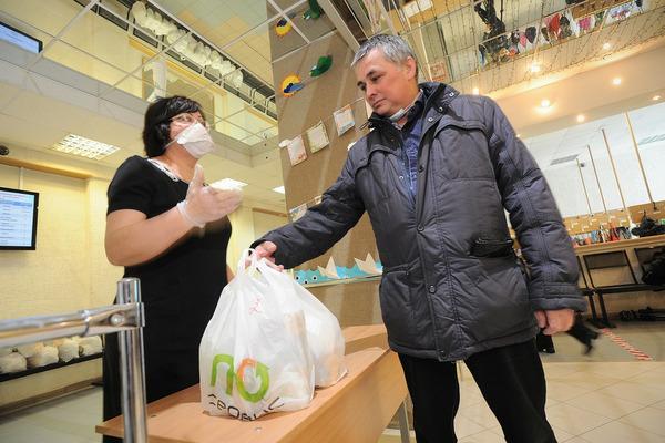 В Норильске начали выдавать продуктовые наборы взамен школьного питания