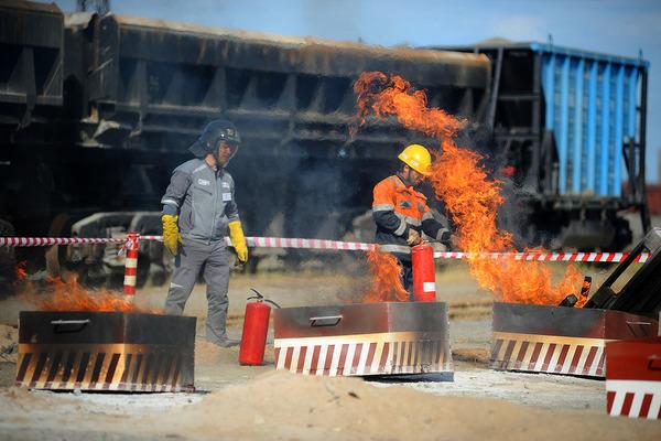 Пожарные «Норильскникельремонта» сдали профессиональный экзамен