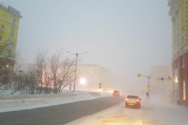 Метель и безответственность норильских автомобилистов стали причиной нескольких ДТП