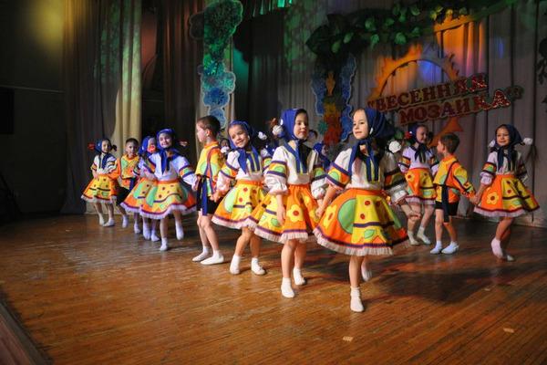 """""""Весенняя мозаика"""" открылась в норильском Доме творчества детей и молодежи"""