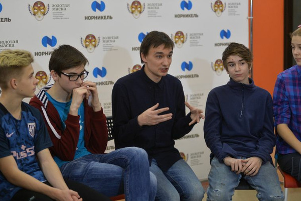 Норильские школьники побывали на мастер-классе столичного актера Никиты Щетинина