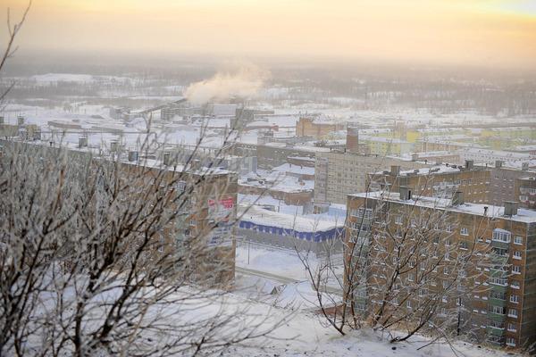 В Норильске мороз и штормовое предупреждение