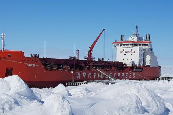 Топливо на Таймыр доставлено Северным морским путем