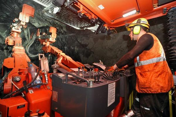 """Рудник """"Октябрьский"""" в перспективе выйдет на мощность в 6 млн тонн руды в год"""