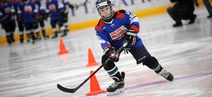 Олимпийский чемпион Сергей Бабинов дал мастер-класс норильским хоккеистам