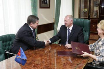 С главой администрации Норильска подписан муниципальный контракт (ФОТО)