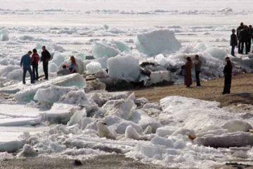 Редкий ледоход наблюдается на Енисее в районе Дудинки