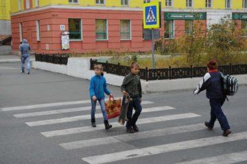 """Рейд """"Пешеходный переход"""" проводят норильские госавтоинспекторы"""