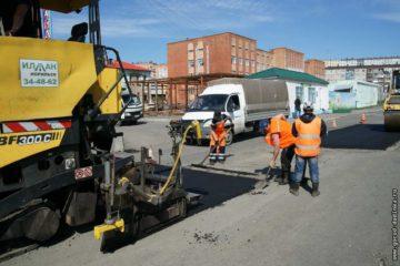 2 тыс. м дорожного покрытия восстановили за два месяца норильские специалисты в Дудинке