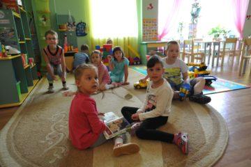 Более 200 норильчан рискуют лишиться возможности устроить ребенка в детсад в этом году из-за неявки за направлением