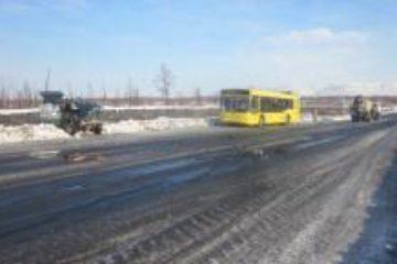 В Норильске автобус столкнулся с бетономешалкой