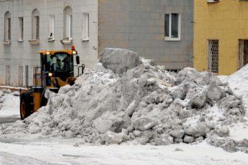 Порядка 500 тыс. тонн снега вывезли коммунальники из норильских дворов с начала зимы